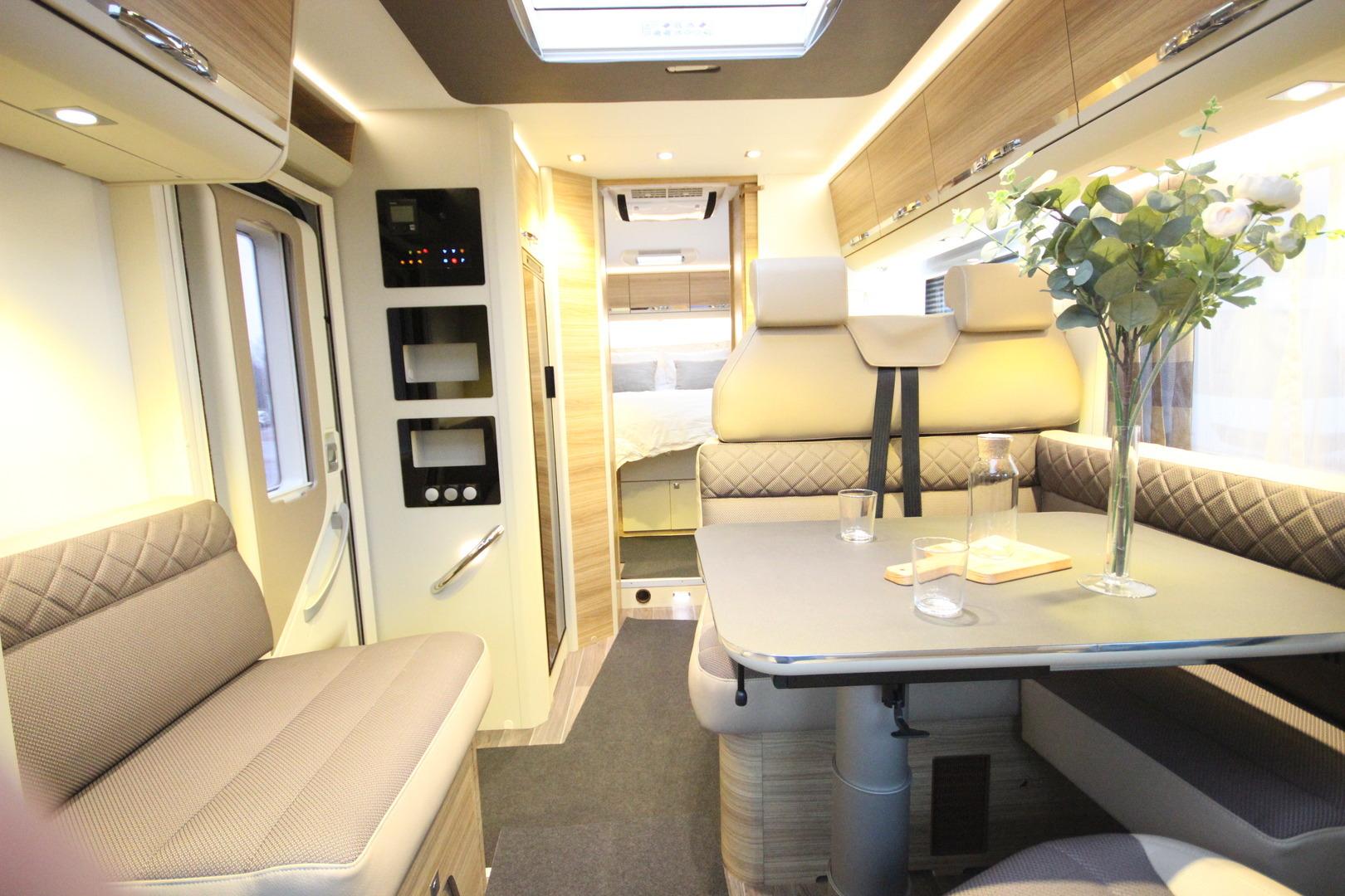 Adria CORAL S 690CS Platinum